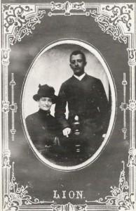 Johanna en Pieter Bindervoet op de Meikermis in Groningen  op 20 mei 1887